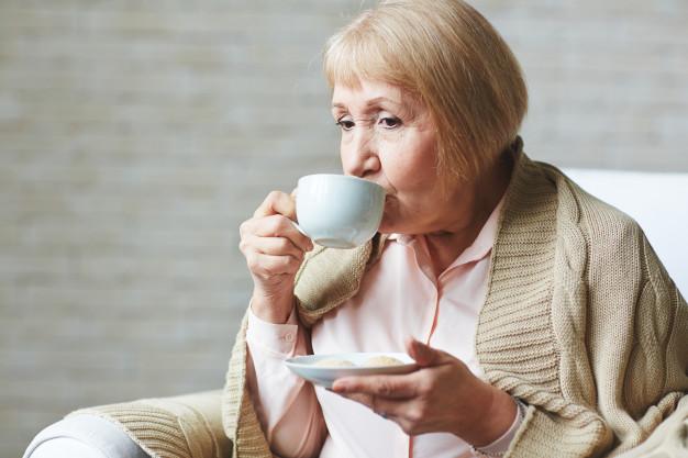 Os principais cuidados com idosos no inverno