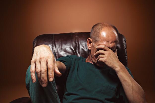 Chance de desenvolver depressão é 50% maior em idosos